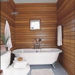 ванная отделанная деревянным брусом