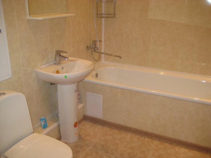 Дешевый ремонт в ванной своими руками 60