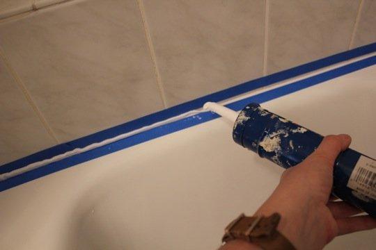 Герметизация швов в ванной фото