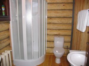 Душевая кабинка в частном доме